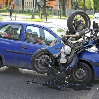 Acquisto moto incidentate: lo sai che le aziende pagano per il tuo mezzo distrutto o danneggiato?